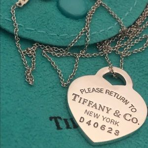 Tiffany & Co Large Heart pendant with 18""